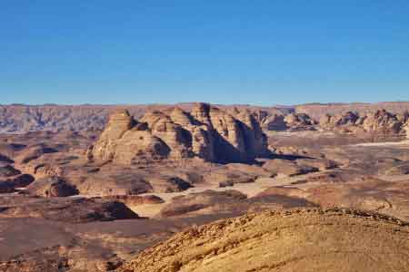image of a mountain in the desert